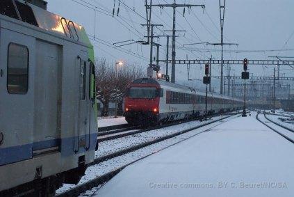 Je viens de sortir du S2, juste le temps de photographier la queue d'un IC Interlaken Ost - Basel SBB