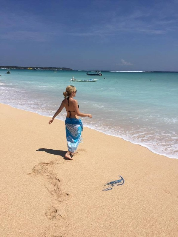Suitcase Six linsday-beach Woman of the Week: Lindsay