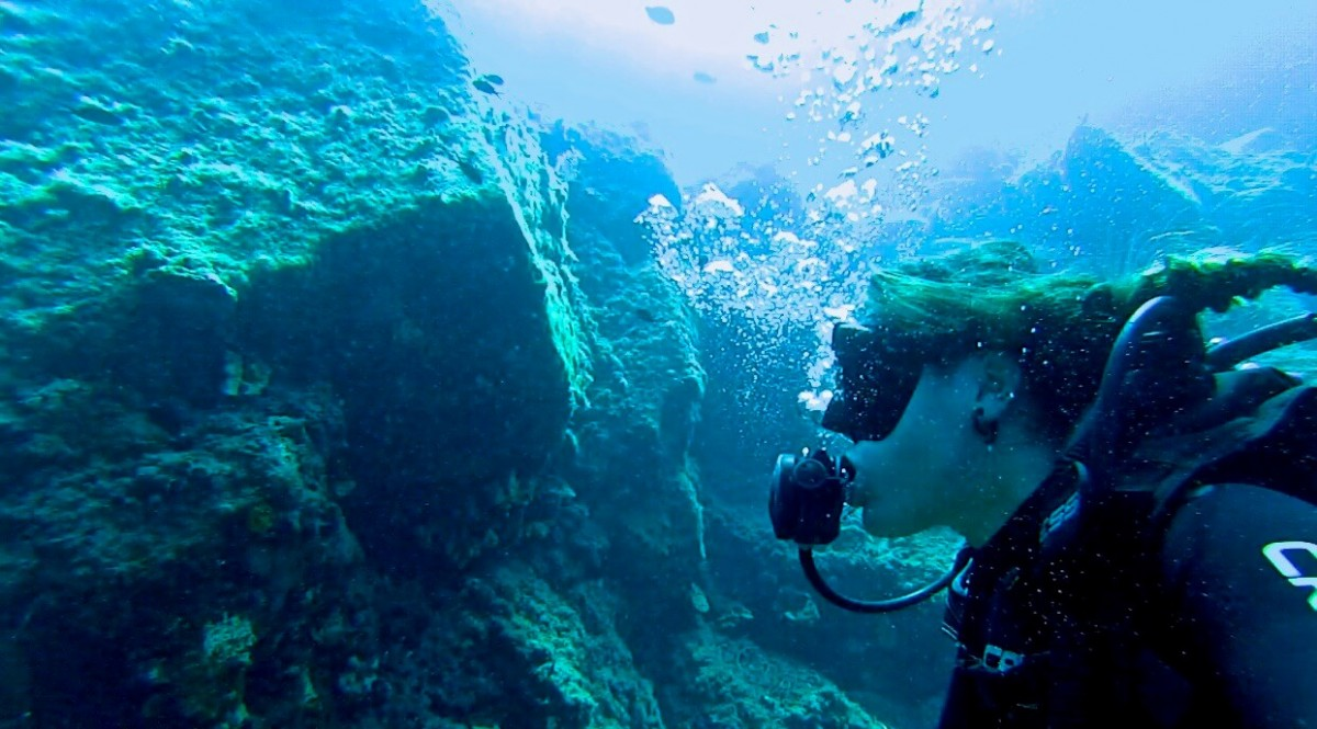 Suitcase Six alyssa-scuba-diving Woman of the Week: Alyssa