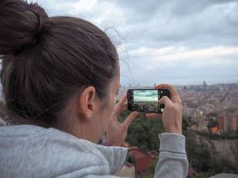 Suitcase Six Sarah-Barcelona-2 Wandering Women