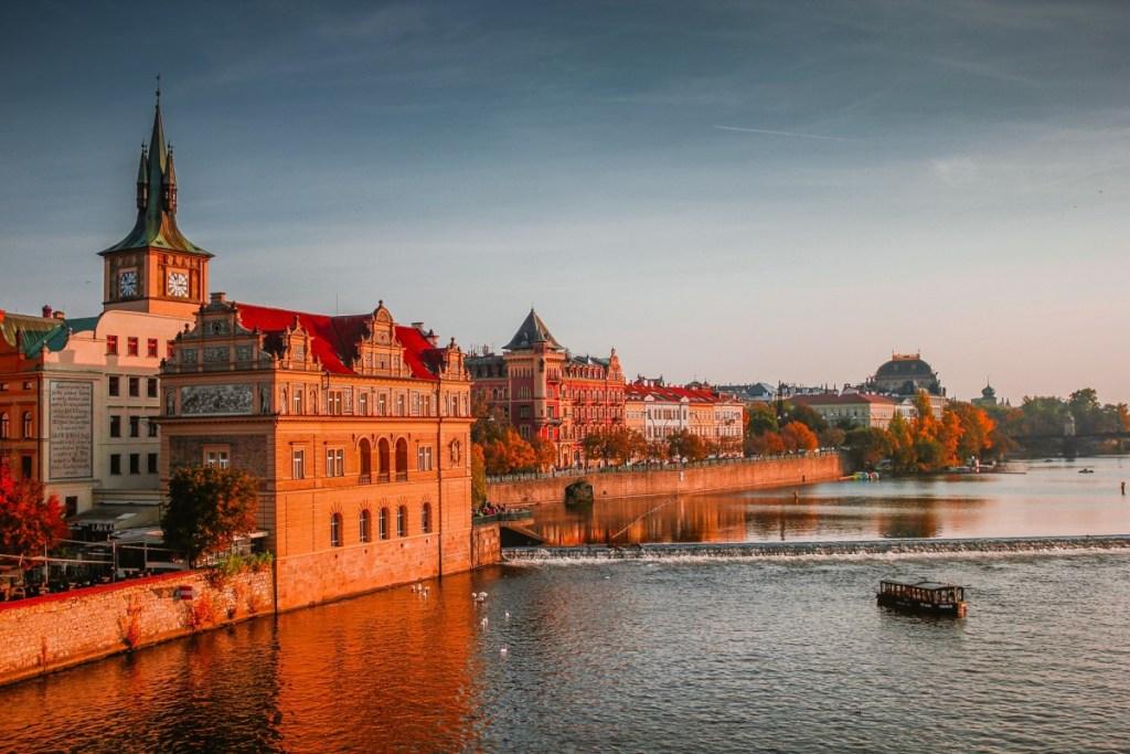 Suitcase Six Czech-rodrigo-ardilha-74664-unsplash-1024x683 GLOBAL DIRECTORY: CZECH REPUBLIC