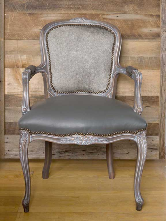 Hollis Newton Canada, The Rodney Chair
