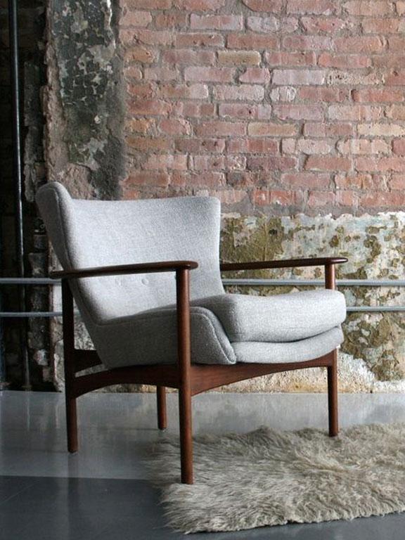 Mis-Century Modern Designer Chair
