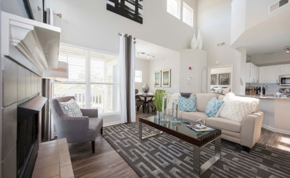 grand reserve living dining