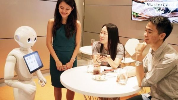 Canggih! Pizza Hut Jepang dan Franchise Lainnya Mulai Menggunakan Pelayan Robot