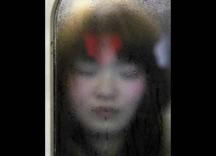 Keadaan Seram Para Pengguna Kereta Api Bawah Tanah Jepang (Seni Fotografi)