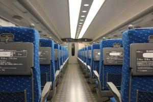 新幹線での横柄な母親に対して、スーツの女性がスカッと勇者降臨ww