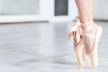私の姉がバレエを習っていたので、ついでだからと私も2歳からバレエスクールに入れられた