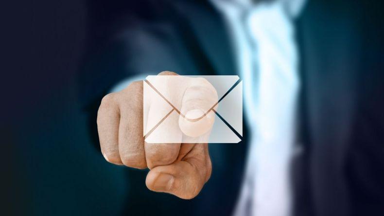 Z czego korzystasz -g mejl czy interii poczta