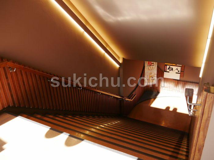 中国料理の鉄人水戸中央ビル店階段