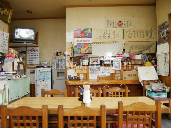 伊勢屋菓子店水戸店内
