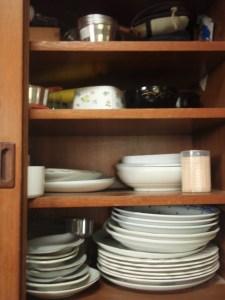 食器棚上段右before