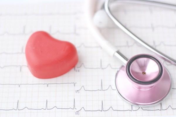 心臓に水がたまる症状の病気、原因は?治療して治るものなの?