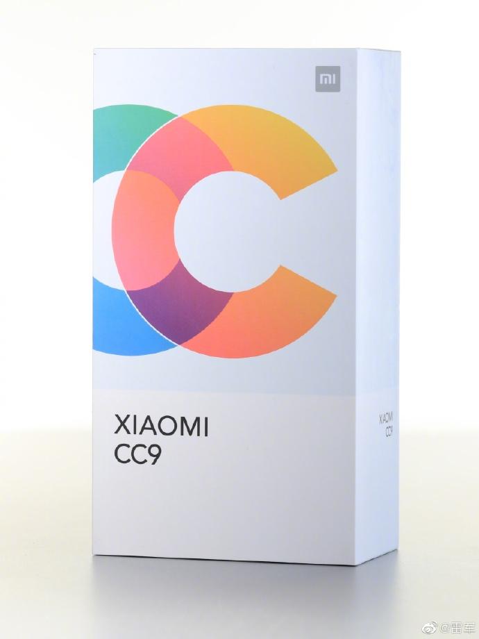 MI CC9 全新設計外盒包裝