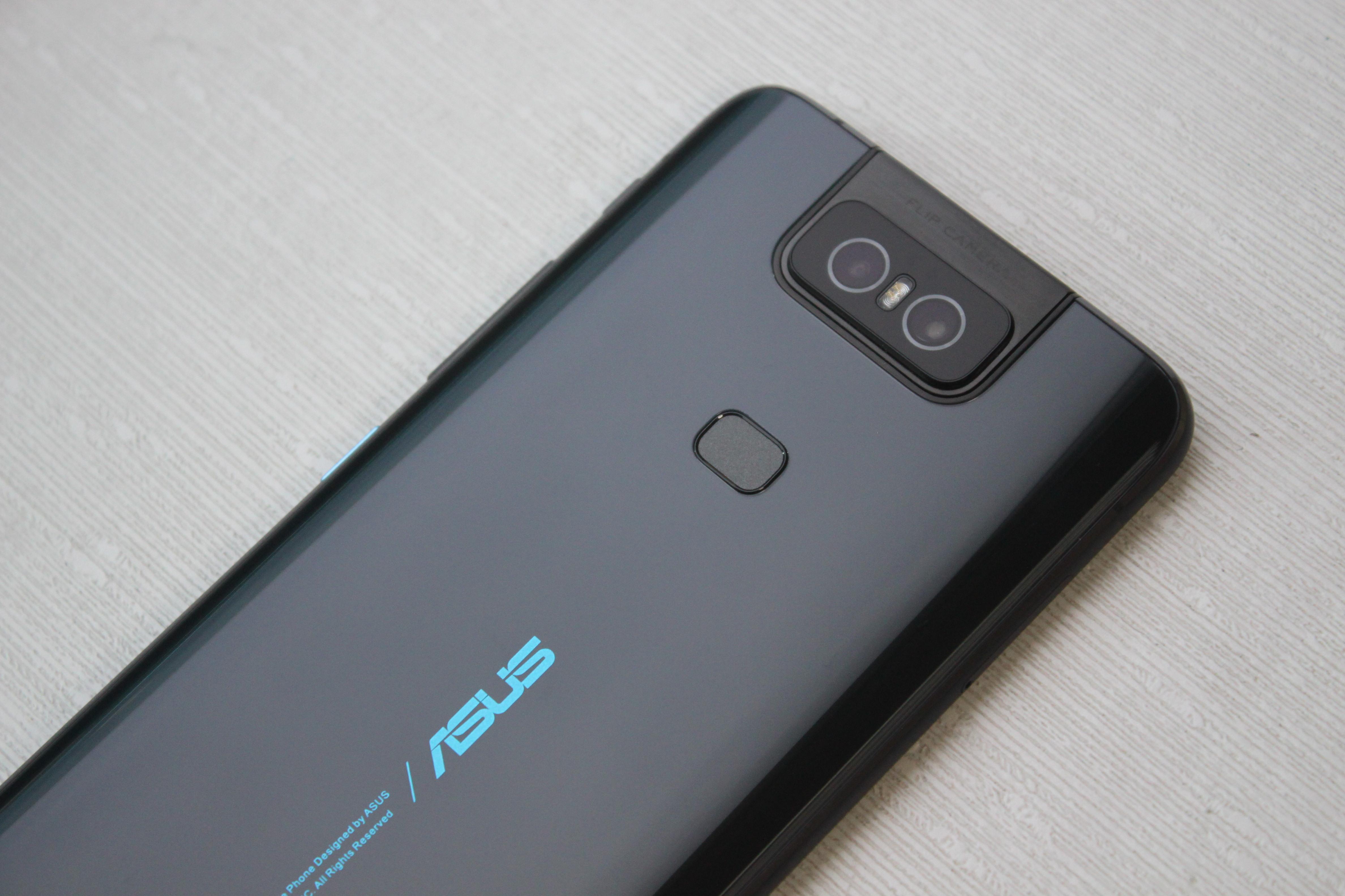 Zenfone 6 背蓋設計與指紋辨識