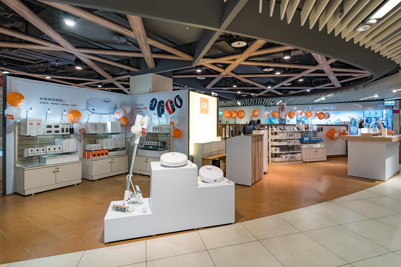 24)日宣布進駐桃竹苗百貨霸主─Big City遠東巨城購物中心,於4月25日開設「小米新竹巨城快閃店」
