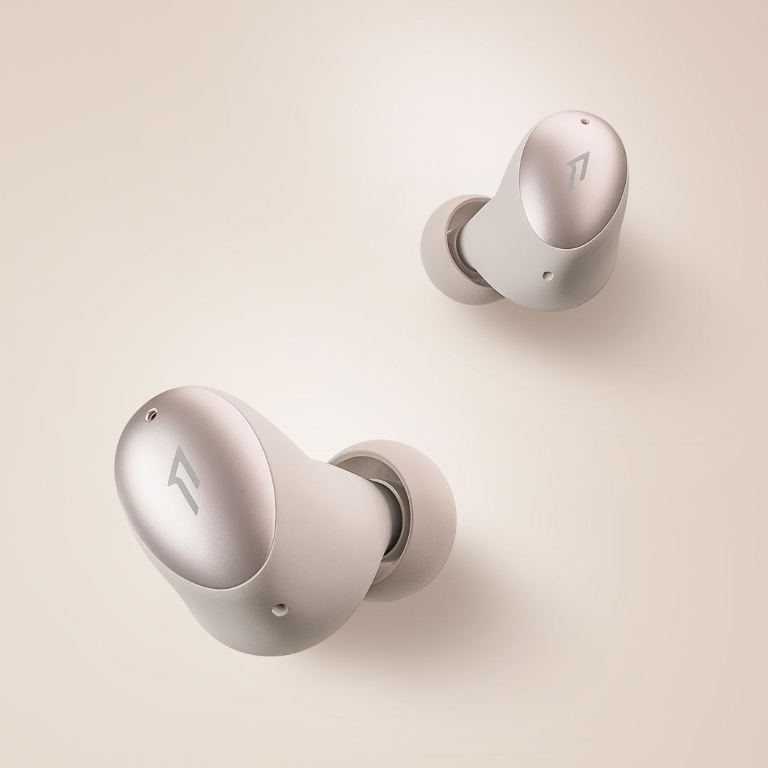 1MORE ColorBuds時尚豆真無線耳機耳機更迷你,整機總重量為40.3克。而單隻耳機僅重4.1克,比一張A4紙更輕巧