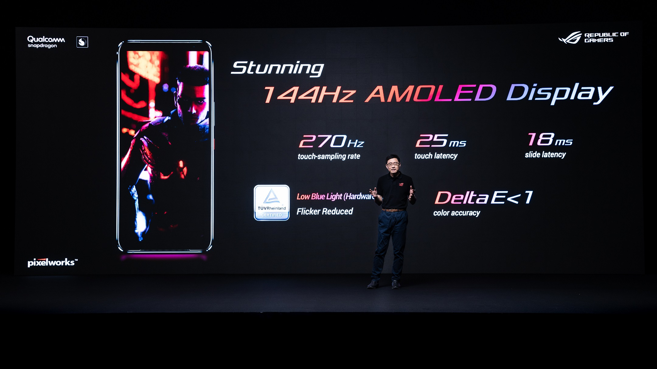 ROG Phone 3具備疾速144Hz更新率、1ms反應時間,除畫面色彩更明亮鮮豔,遊戲中任何酷炫特效和細節刻劃均可近乎真實般躍然眼前。