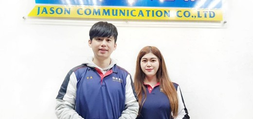 韓家俊(左)跟吳珮甄,因原來業態的服務特質,轉戰傑昇通信後在門市的表現都相當優異