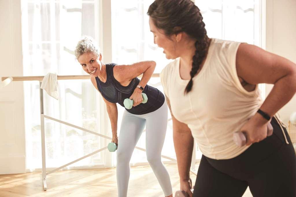 Luxe 可隨選 20 種以上的運動模式。Premium 會員更可享有超過 200 個由健身教練或網紅提供的指導影片