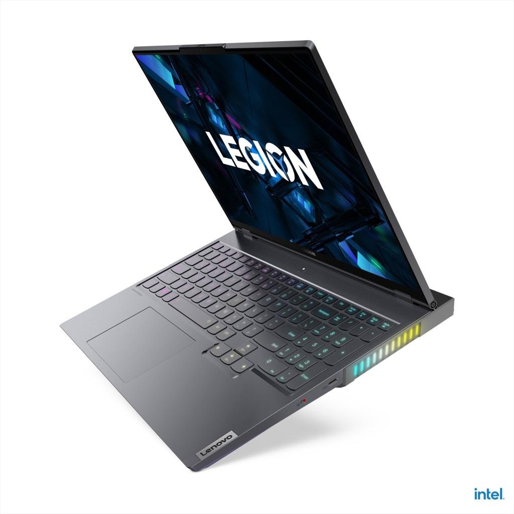 Legion 7i配備16 吋 QHD螢幕,是全球首款16比10黃金比例電競筆電。