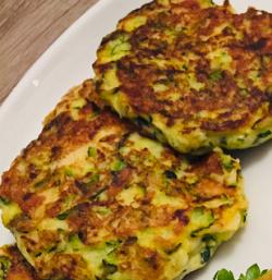Low-Carb-Rezepte: Zucchini-Puffer