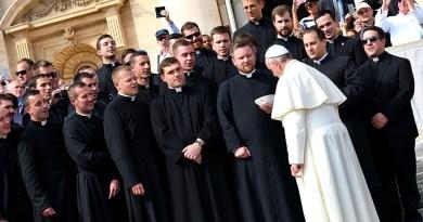 Il prete oggi, i fedeli chiedono l'ascolto