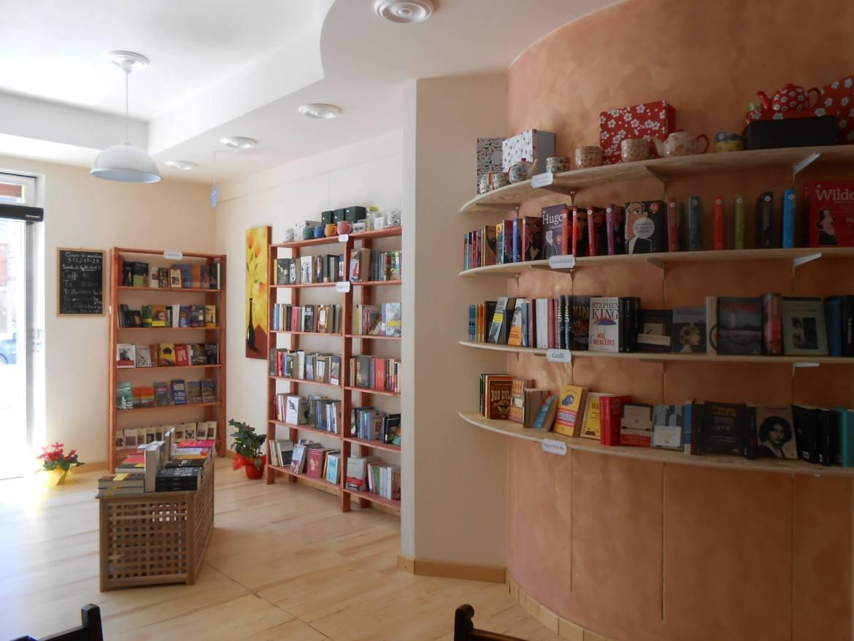 007 3967 riapertura librerie (1)