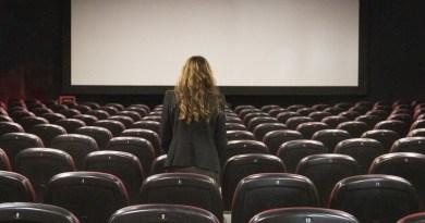 Il Covid chiude nuovamente cinema e teatri