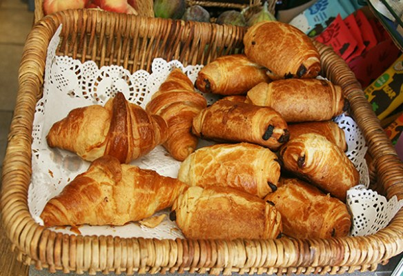 Freshly baked croissants and pains-au-chocolat available on Saturday and Sunday mornings