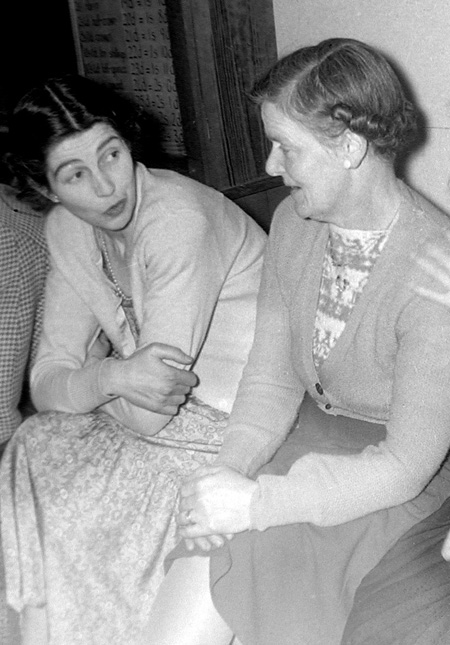 """On the left Fred's wife Edie , born Edie Franklin in the cottage now known as """"Endways"""", Manor Road."""