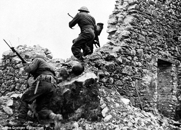 """""""From Anzio to Monte Cassino"""" - Daily Mail Newspapers"""