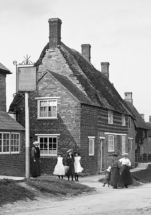 Photograph by S.W.A.Newtong, reproduced by permission of Historic England Archive
