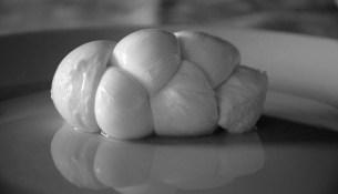 mozzarella treccia