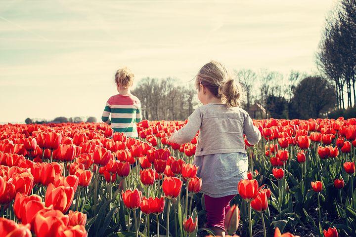 bambini tulipani