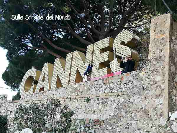 Scritta cannes stile hollywood