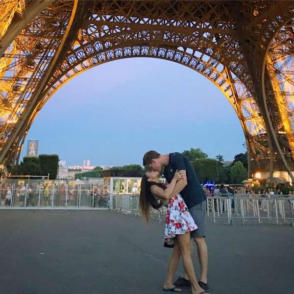 baciarsi a parigi