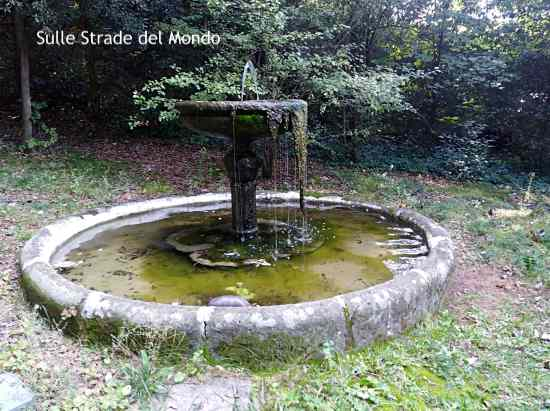 Ariccia fontana del parco di palazzo chigi
