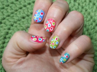 most-colourful-dot-nails