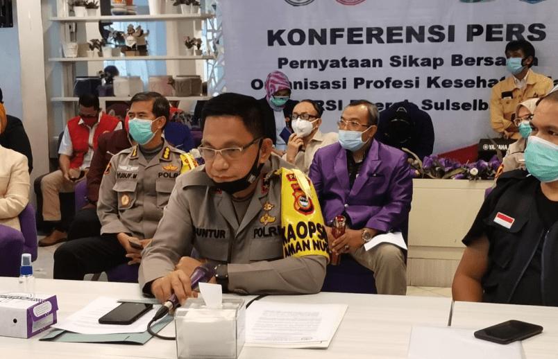 Kapolda Sulsel Irjen Pol Mas Guntur Laupe saat jumpa pers di Kantor IDI Makassar, Senin (8/6/2020).