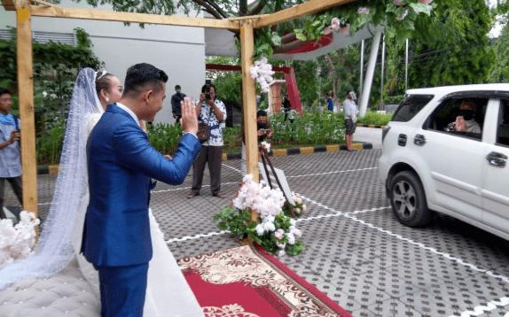 Ilustrasi Wedding Thru