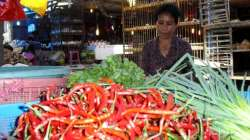 Salah seorang pedagang di Pasar Korem Kendari.