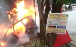 Mobil Avanza Terbakar Misterius di Kendari, Hebohkan Warga