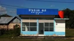 Halte Bus Rataloka C.2 di Muna Barat belum difungsikan (Foto : Akhir Sanjaya/SULTRAKINI.COM)