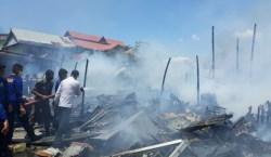 16 Ruko Terbakar di Dekat Pantai Kamali Baubau, Pemilik Ruko Syok