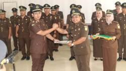 Serah terima jabatan Kasi Pidum Kejari Konawe, Senin (11/11/2019). (Foto: Istimewa)