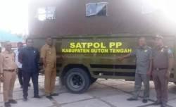 Bupati Buteng Serahkan Bantuan Mobil Dalmas kepada Satpol PP