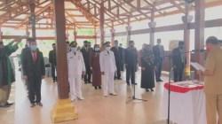 Pelantikan dan pengambilan sumpah jabatan 23 pejabat lingkup Pemkab Bombana, (Foto: Badar/SULTRAKINI.COM)