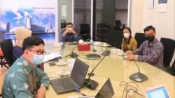 Suasana BPKP Sultra belajar layanan masyarakat di Kantor OJK Sultra, (Foto: Ist)
