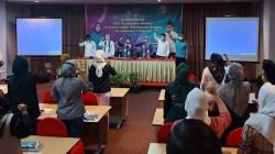 Ketua DPP Perempuan Bangsa, Siti Mukaromah bersama Ketua DPW PKB Sultra Jaelani (paling depan) saat melakukan konsolidasi (Foto: La Niati/SULTRAKINI.COM)